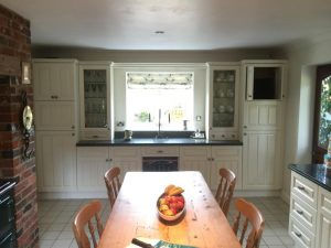 completed kitchen in draycot foliat